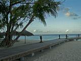 Дорожка на пирс острова Reethi Beach. Снимал Casio P600