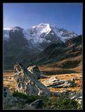 Швейцария. Valais. Высота около 2400м. Раннее осеннее утро. На ЗП Petit Combin. Фильтры: UV, поляризатор, нейтральный градиентник в одну ступень.