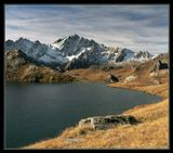 Lacs De Fenetre. 2500м. Теплый осенний день после холодной ночи и непогожего дня. Фильтры: UV, нейтральный градиентник, поляризатор.