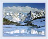 """В этих местах почти все горы  называются """"иголками"""" (aiguille) - Aiguille d'Argentiere, Aiguille Verte, Aiguille Rouge, Aiguille du Midi, Aiguille de Triolet, Aiguille du Grepon (последние две в кадре на ЗП)."""
