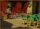 Цвет Парижа - теплый. Золотистый, красный, желто-зеленый... Таким его я увидела, таким и представляю.