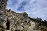 Древний Дивногорский монастырь, высеченный в меловой горе в цепи меловых гор над рекой Дон. Был основан примерно в XII в. иноками Ксенофонтом и Иоасафом - греками, выходцами с о-ва Сицилия. Оттуда ими была привезена икона Сицилийской Божией Матери. Недавно здесь были найдены известняковые надгробные плиты с надписями на греческом языке, свидетельствующими, что под ними были погребены византийские монахи.