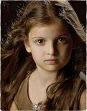 Недетский портрет маленькой девочки. ))