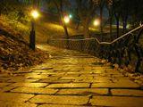 осенний парк...теплый вечер... недавно зажглись фонари...Антон Горлин
